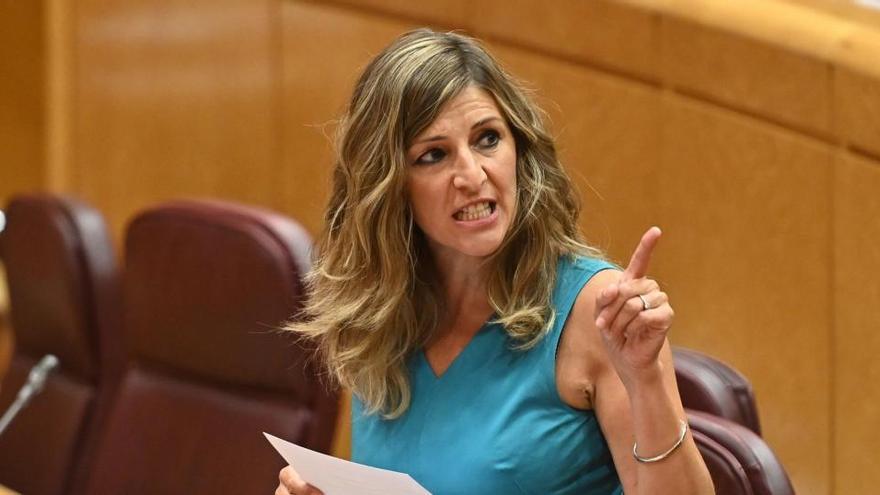 Yolanda Díaz, en una sesión del Senado.