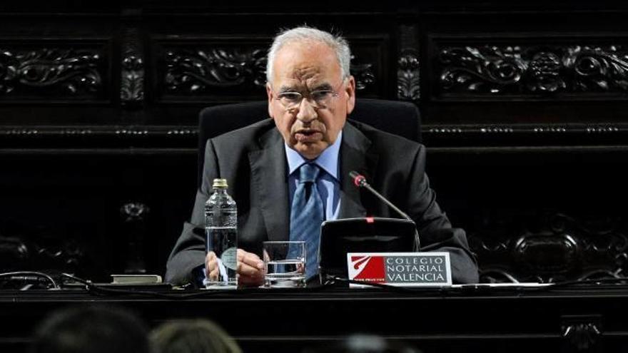 Alfonso Guerra  expone hoy sus argumentos en favor de la Constitución