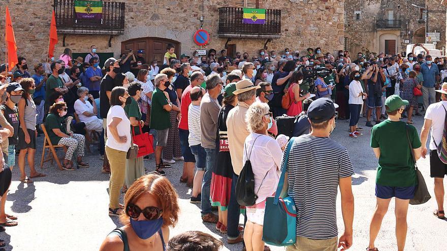 Protestes a Capmany en contra dels projectes de parcs eòlics a l'Albera