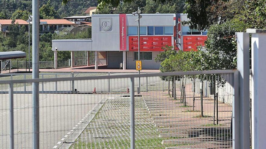 Falsa alarma en O Castro British School: todos lo trabajadores dan negativo