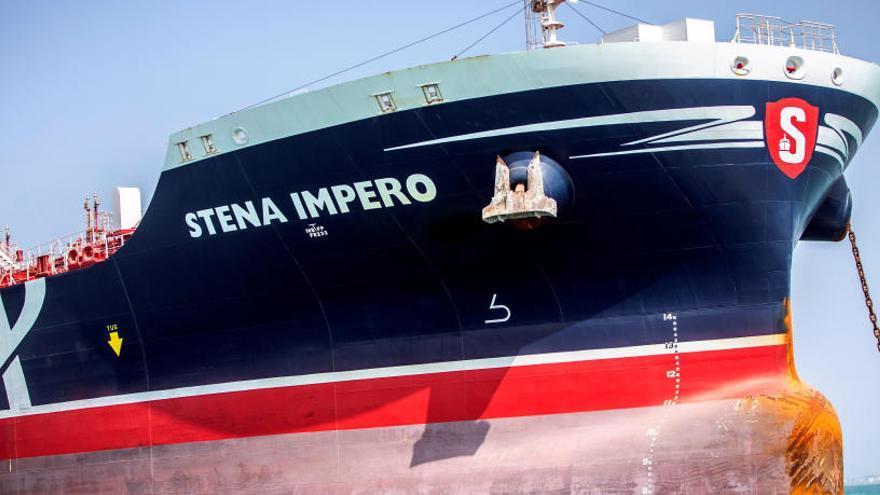 Liberan a siete tripulantes del petrolero británico capturado en aguas de Irán