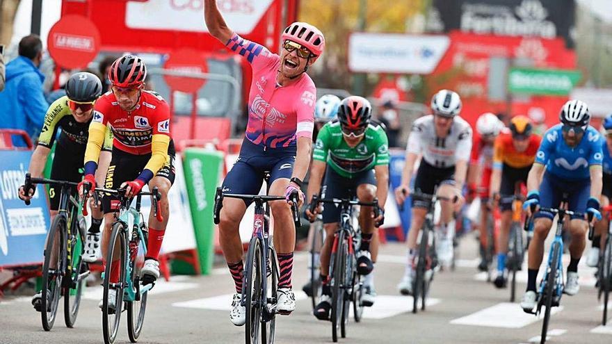 El danès Cort Nielsen dona la tercera victòria a l'Education First en la Vuelta