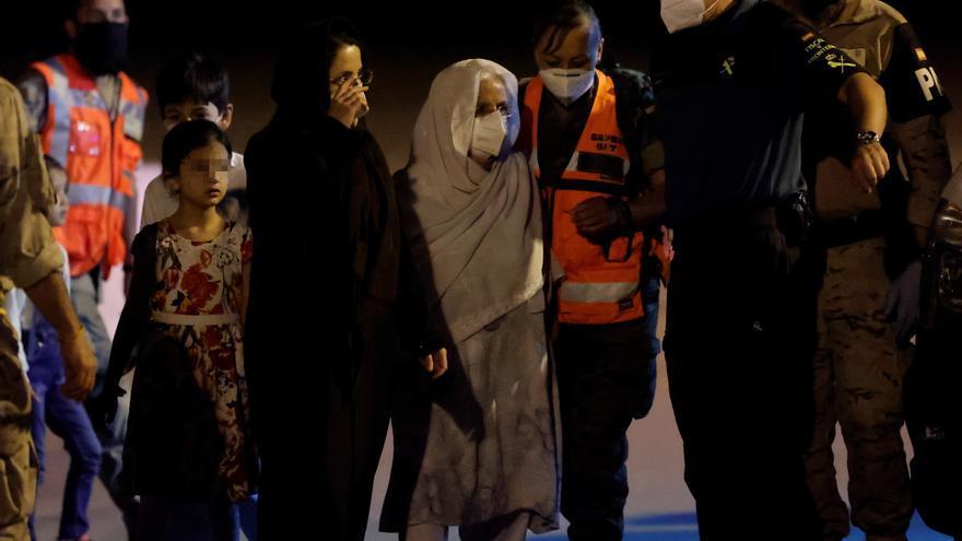 Aterriza un nuevo avión con evacuados afganos en Madrid