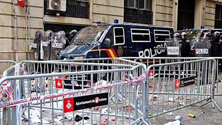 L'Ajuntament de Barcelona insta la Policia a sortir de Via Laietana