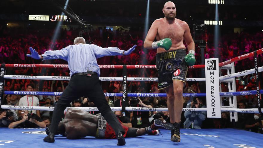 Fury renueva el título WBC de los pesos pesados tras estar al borde del KO