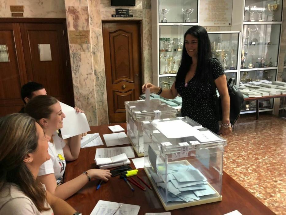 Rosa Galindo (Málaga Ahora) votó en la avenida de Europa