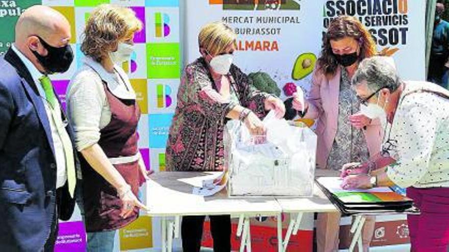 El comercio de Burjassot sortea sus cheques regalo