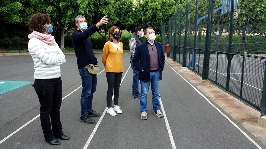 Santa Cruz invierte 30.000 euros en reformar el polideportivo de Chimisay Alto