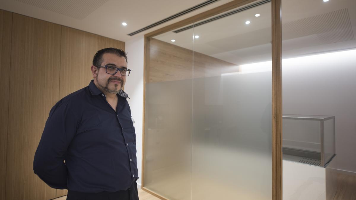 Ángel López, tanatopractor a Àltima Manresa