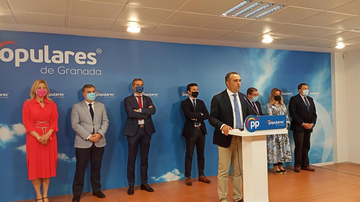 Rueda de prensa del PP de Granada para informar de la dimisión de sus siete concejales en el Ayuntamiento.