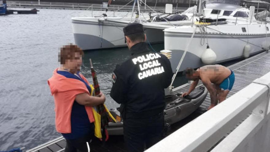 Rescate de un kayak que estaba a la deriva por el mal tiempo