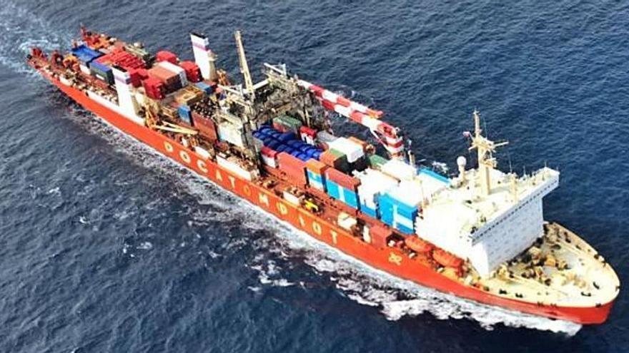 El buque nuclear ruso se aleja ya de Galicia tras navegar dos meses con una avería