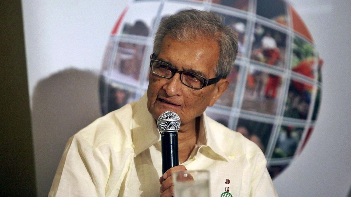 El galardonado economista, Amartya Kumar Sen, en una intervención pública. | | E.D.