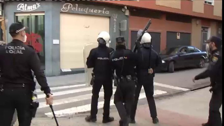 En libertad los 13 detenidos por los disturbios de Linares mientras se identifica a los promotores