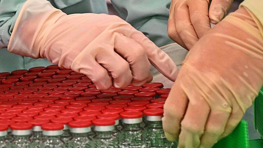 Europa evalúa ya las vacunas de Pfizer, Moderna y AstraZeneca