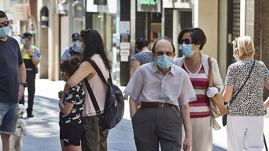 Les mascaretes casolanes de roba no protegeixen del virus