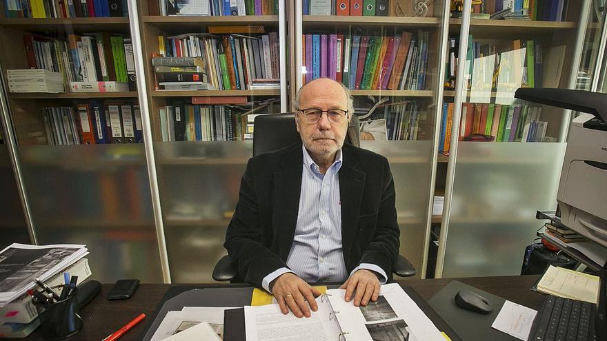 Florentino Regalado: «La obsesión por conservar fachadas sin valor en Alicante nos cuesta miles de euros»