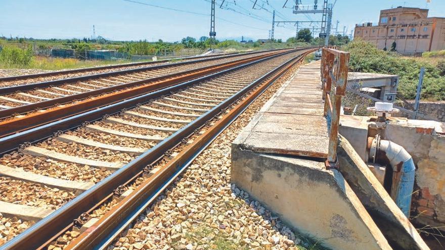 La renovación de la vía entre Silla y  la Pobla Llarga costará 100 millones