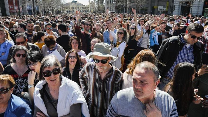 """El ayuntamiento prohibirá las botellas de vidrio y las latas en las """"mascletades"""""""