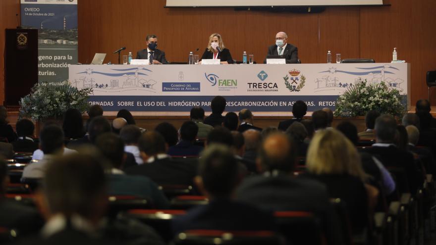 Piña en la gran empresa para hacer de Asturias un valle del gas del futuro