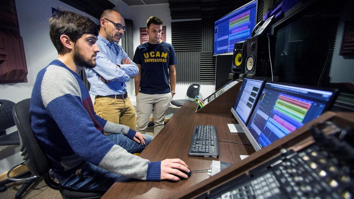 Laboratorio de Sonido del Campus de Murcia. UCAM.
