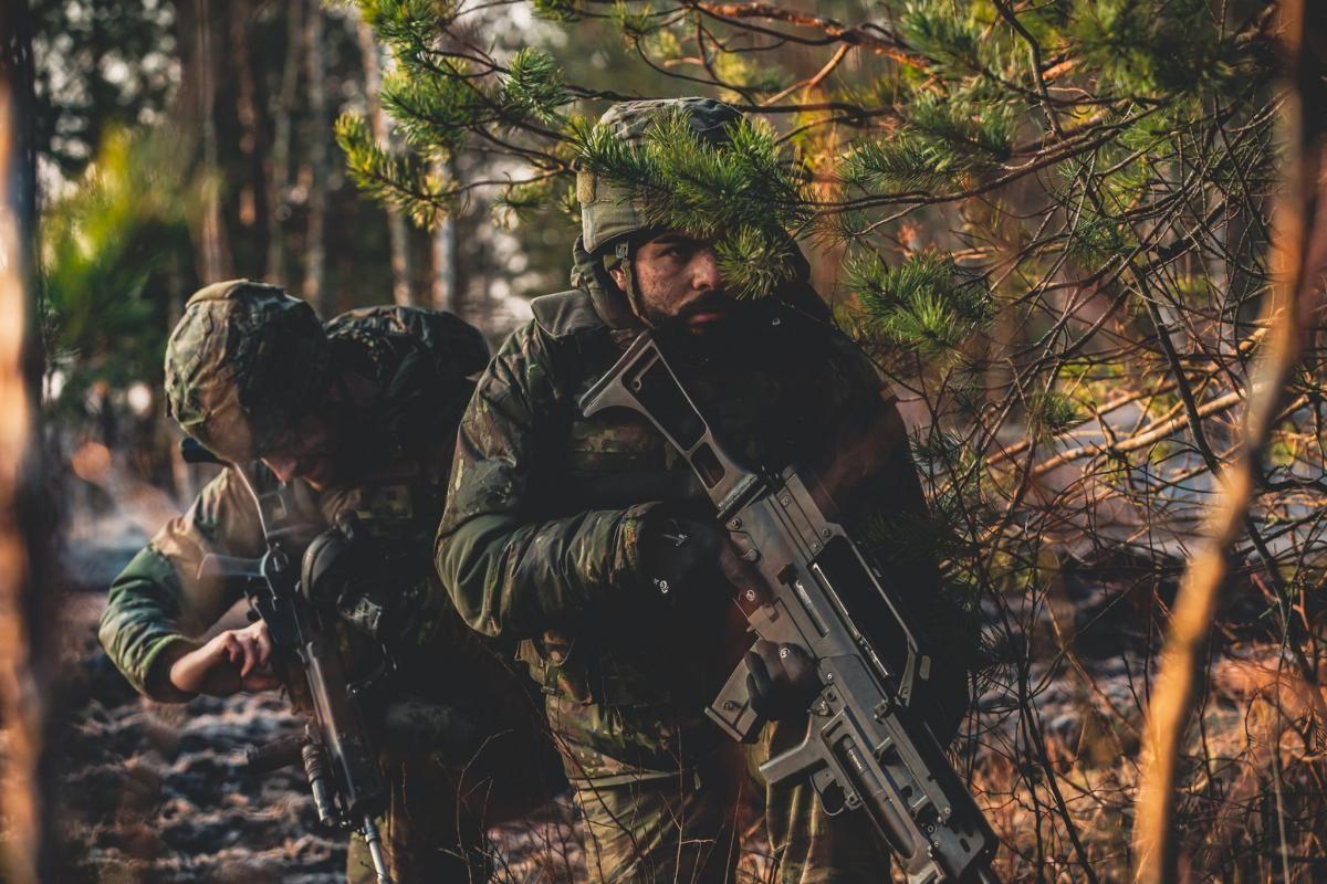 Maniobras de combate de la Brigada de Cerro Muriano en Letonia
