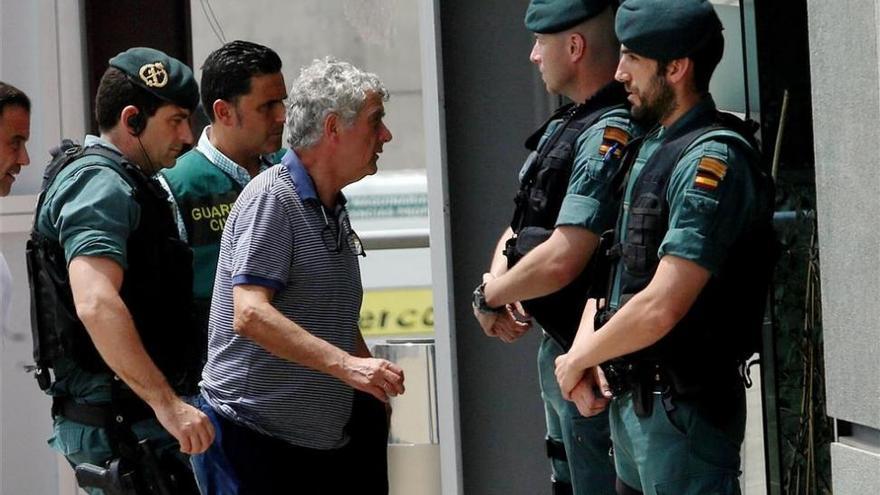Prisión sin fianza para Villar y su hijo por lucrarse con la RFEF