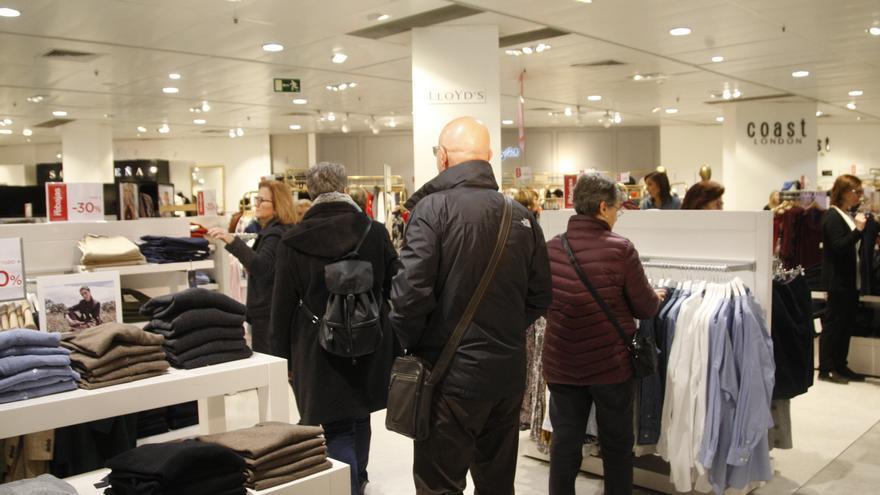 Consulta qué tiendas y supermercados abren en Semana Santa en la Región