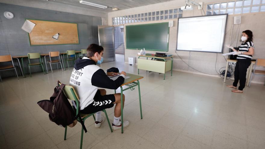 Los sindicatos de Ibiza alertan de los efectos negativos de la enseñanza semipresencial