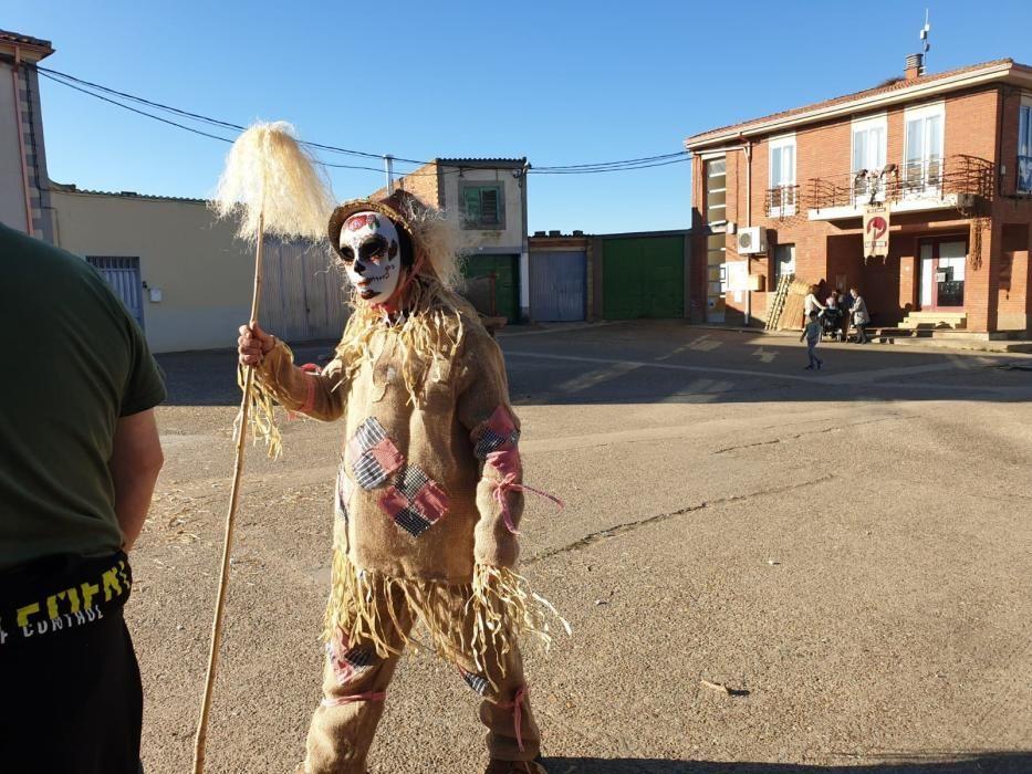Mascarada de birrias, gordos, flacos y señoritos en Morales de Valverde