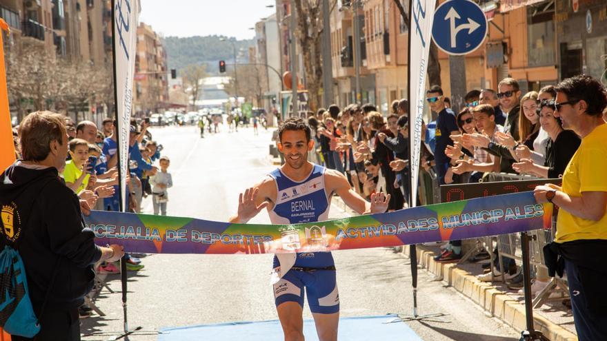 El Ayuntamiento de Caravaca presenta las ayudas al deporte