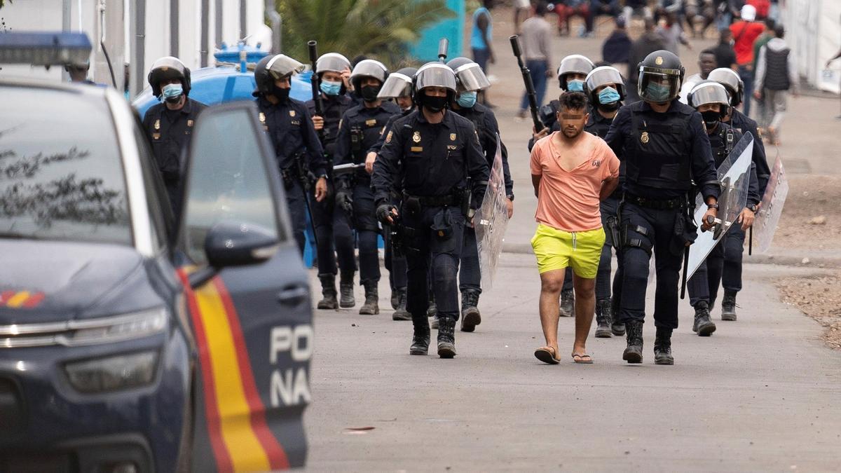 Uno de los detenidos durante el incidente.