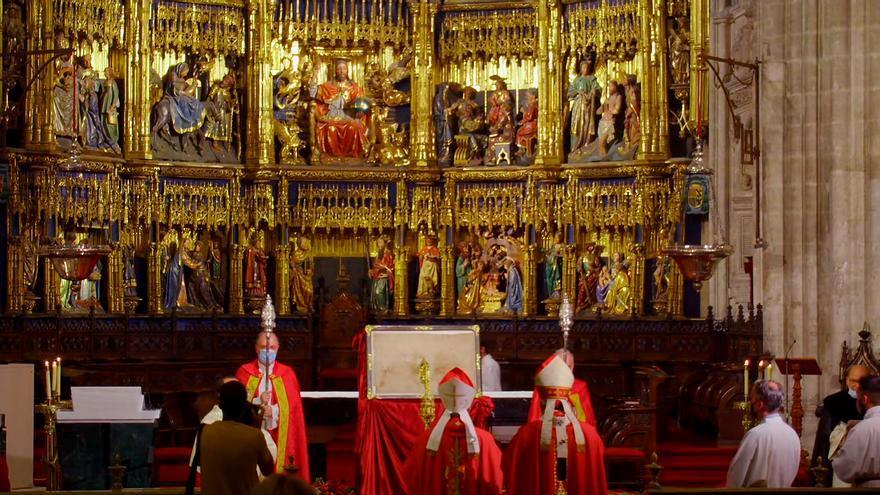 Oviedo se gana el perdón: comienza en la catedral el Jubileo de la Santa Cruz