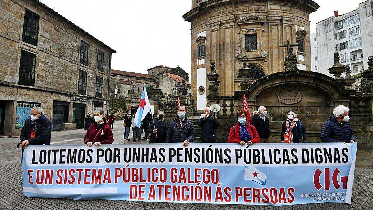Protesta de los pensionistas en la Praza da Peregrina    G. SANTOS