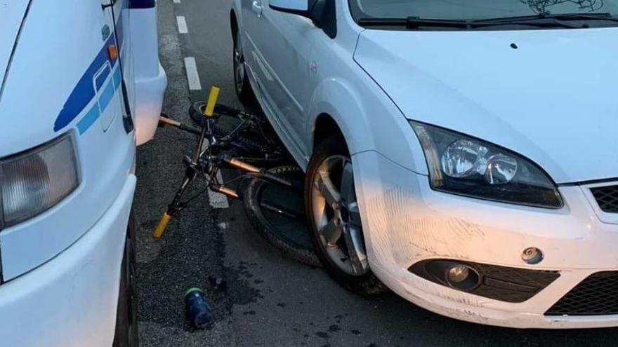 Una automovilista ebria atropella a un ciclista en Gijón