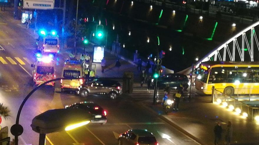 Varios heridos en una colisión entre un coche y una ambulancia en Murcia