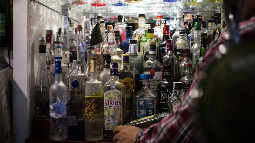 """La gresca postcovid i el caos marítim trenquen el subministrament d'alcohol: """"No hi ha Seagram's ni Absolut"""""""