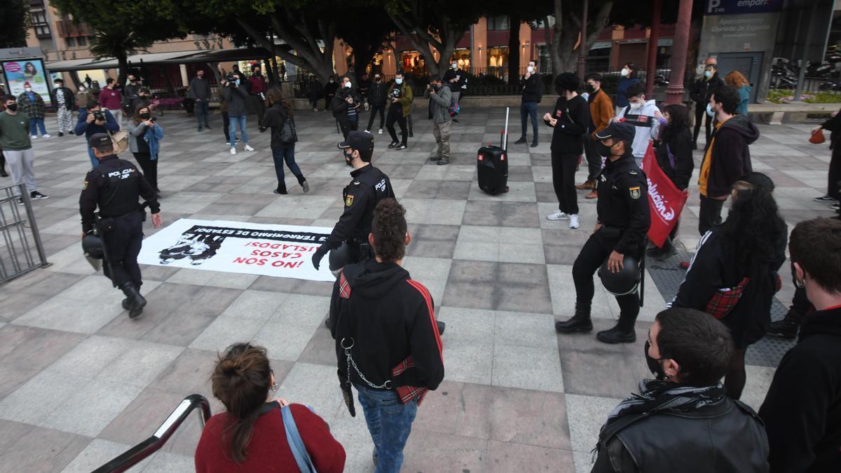 Protesta contra los abusos policiales y en apoyo a Hasél en Murcia.