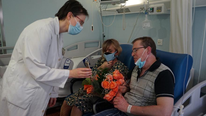Una pareja de Vigo se casa en la habitación del hospital