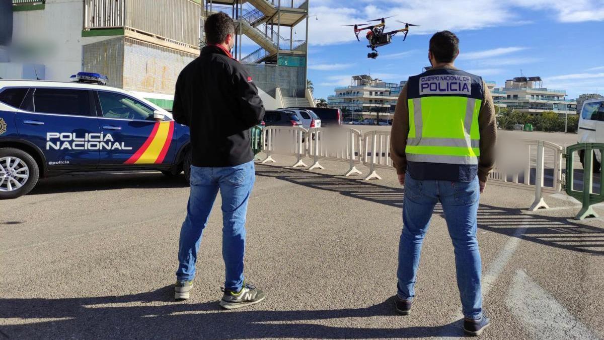 Sancionan al piloto de un dron que sobrevoló La Condomina durante el UCAM - Granada