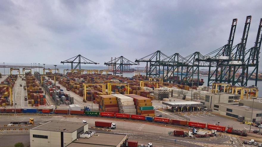 El Puerto de València acelera las inversiones vinculadas al hidrógeno verde en las terminales