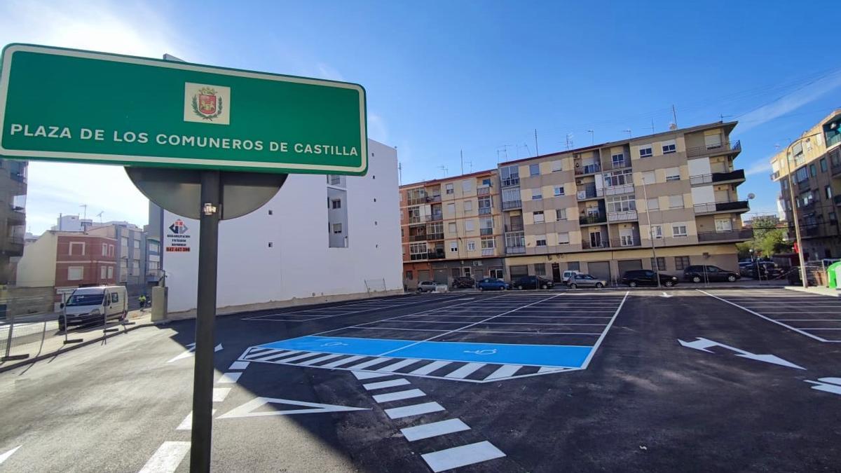 El nuevo aparcamiento público de la calle La Cruz de Elda.