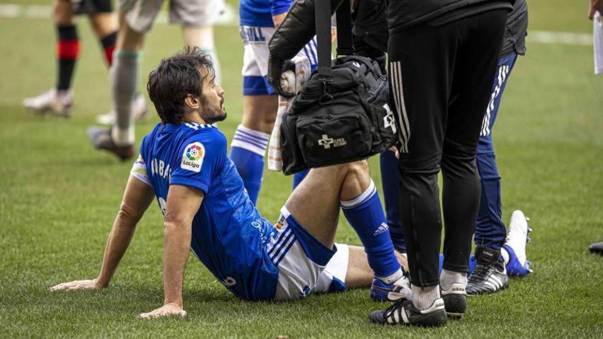 Arribas, defensa del Oviedo, afronta el tramo final de la recuperación de su lesión