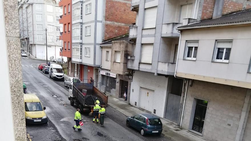 Parches sin efecto en la Avenida de Santiago