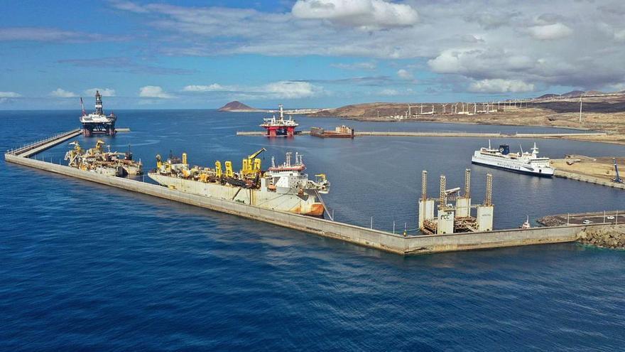 Enrique Arriaga: «Torres no puede dejar a Tenerife sin la regasificadora»