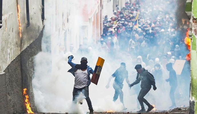 Protestas  contra las medidas de austeridad del presidente de Ecuador en Quito