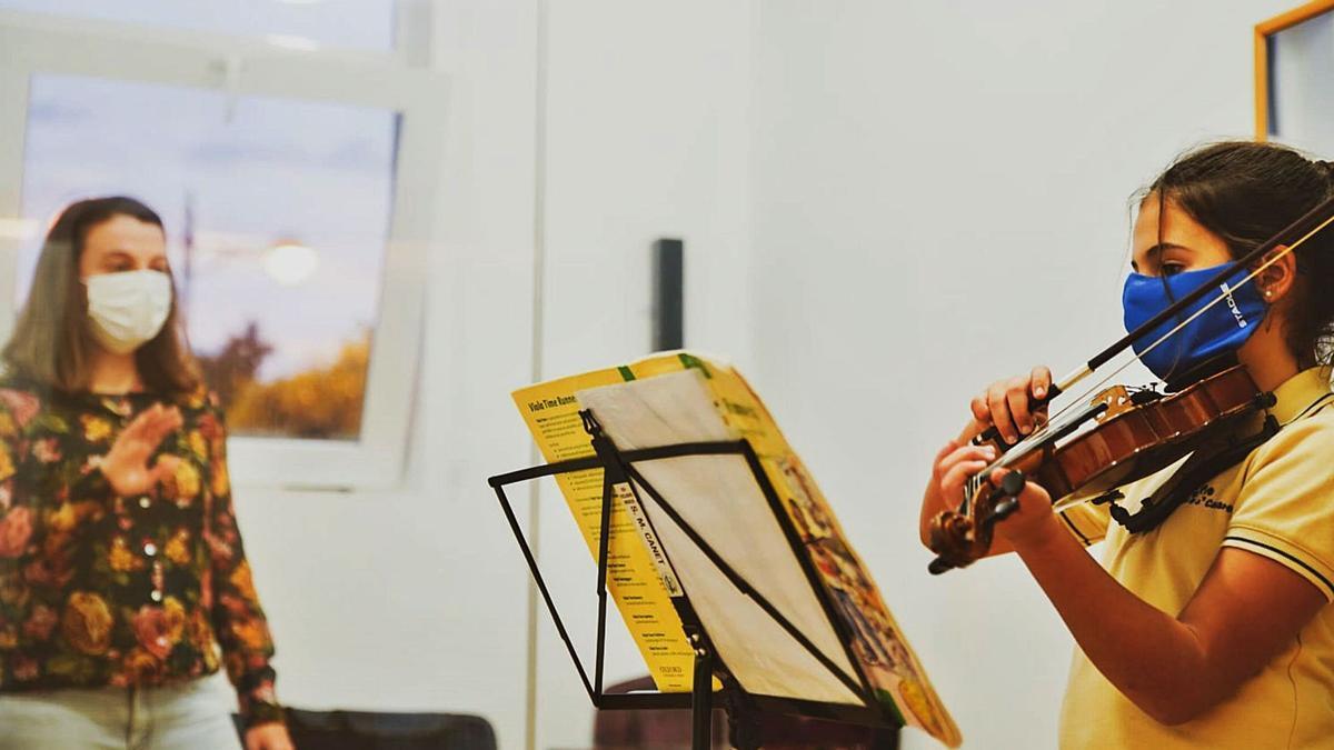 Una classe de violí.  levante-emv   LEVANTE-EMV