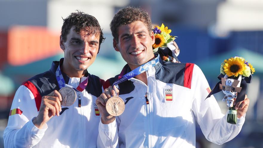 Los medallistas de Vela, muy emocionados