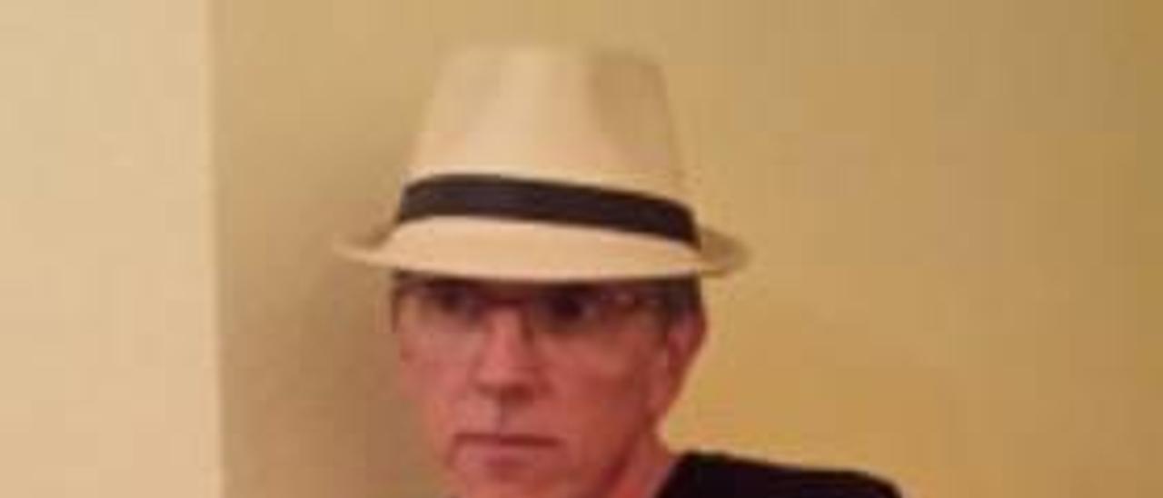 El escritor Saljo Bellver.