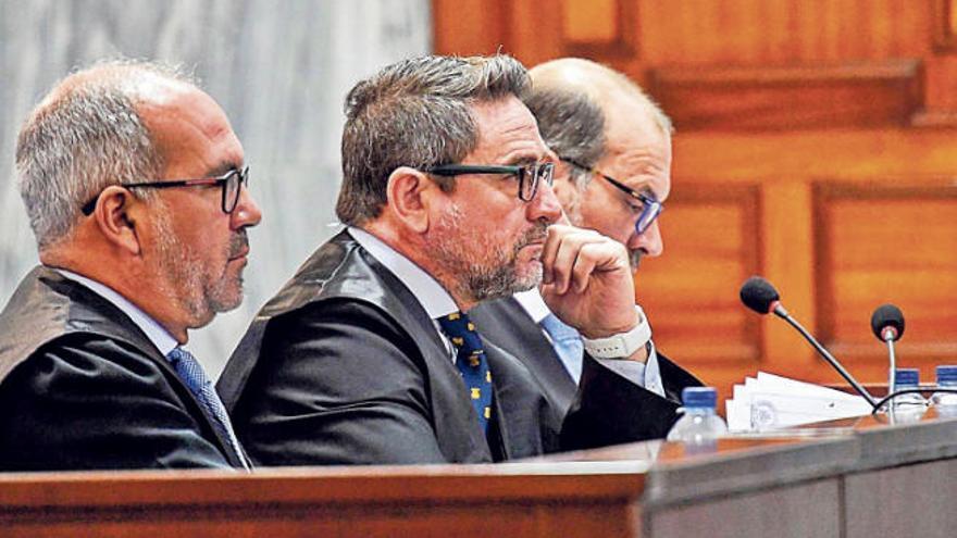 El fiscal acusa al juez Alba de poner su cargo al servicio del interés personal